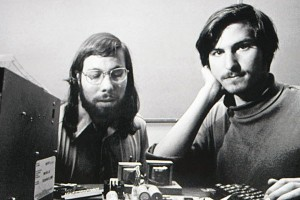 The most famous example of entrepreneur v. inventor - Steve Jobs (r) and Steve Wozniak (l)